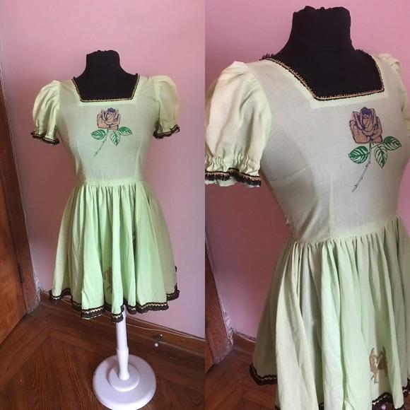 Vintage Dresses & Skirts - 2️⃣for3️⃣0️⃣ Vtg green fit and flare dancer dress